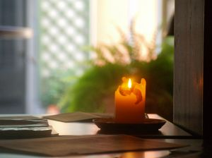 834609_candle_light